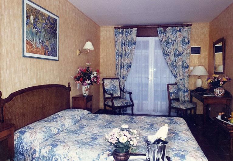 hotel-treport-Chambre-standard-patio-1